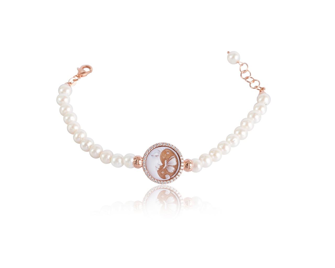 Bracciale in argento con finitura rosè e cammeo sardonico di forma tonda