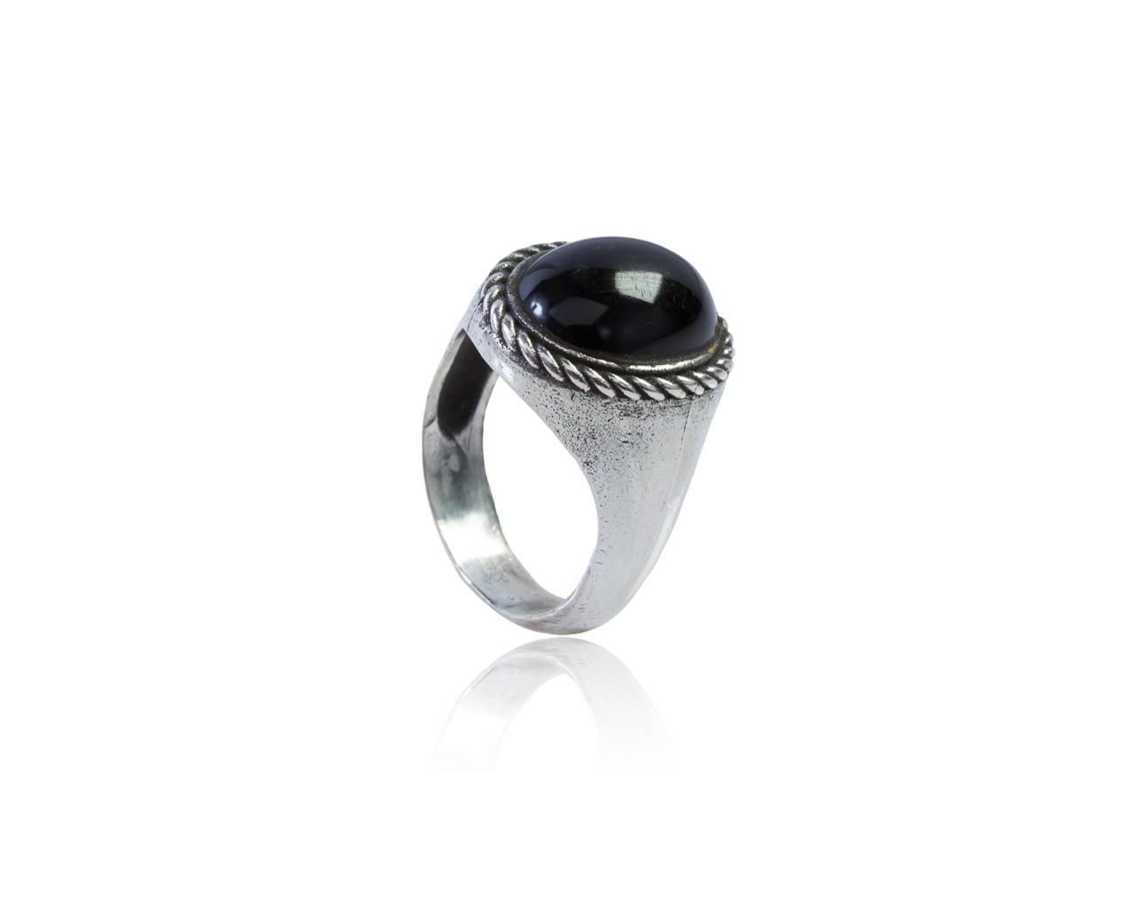 Anello in argento 925 con finitura brunita e lucidata,con pietra di onice nero Modello ANARON01